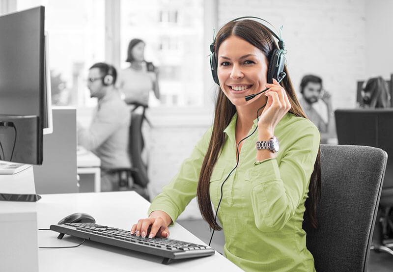 female phone agent